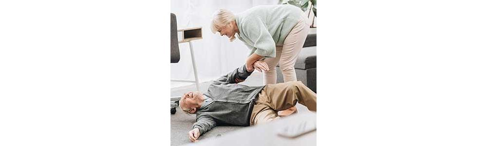 Be Prepared: First Aid and Emergency Kit Items for Seniors